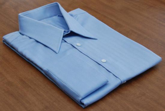 blue_herringbone_shirt_folded-550x371
