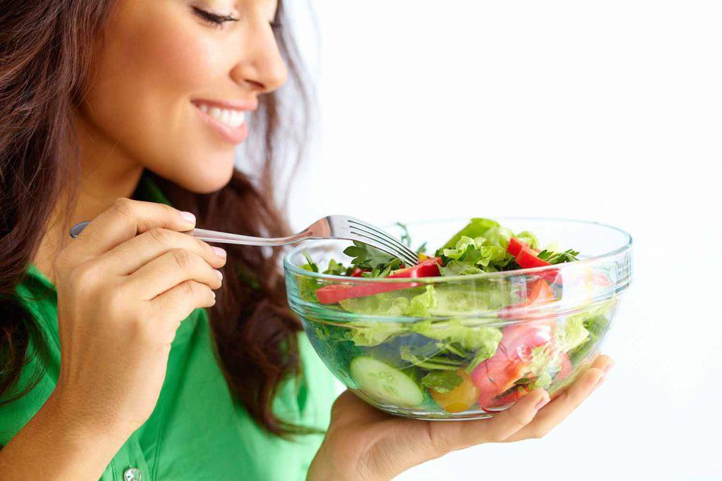 داشتن رژیم غذایی سالم برای محافظت از مو