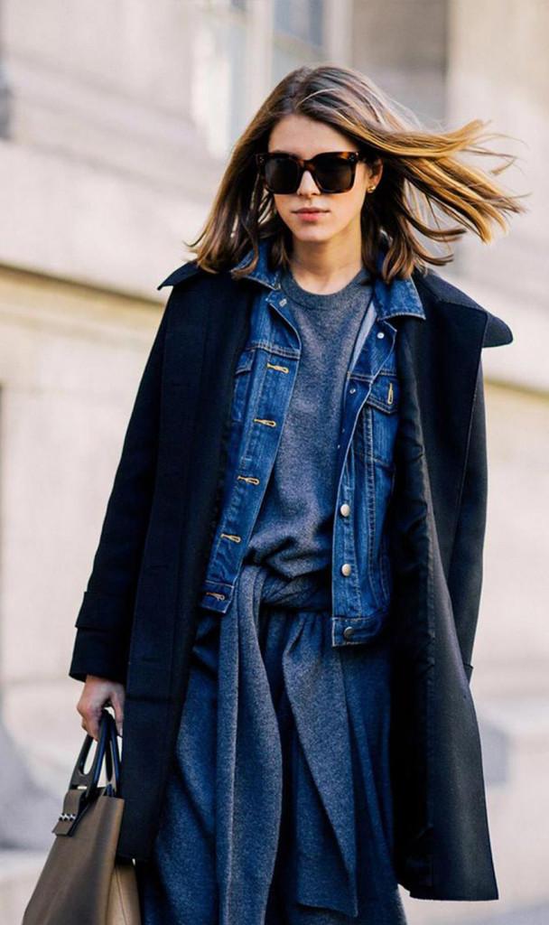 آبی کلاسیک با سیاه