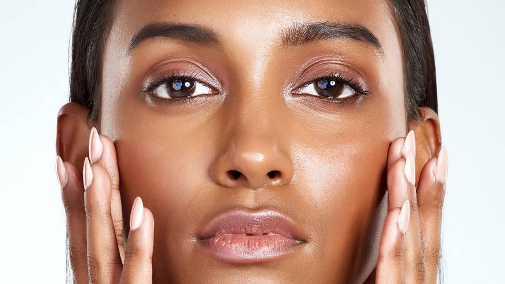 چرب شدن پوست ناشی از آسیبهای لوازم آرایشی