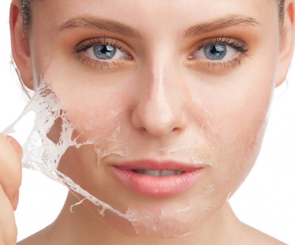 خشکی و لایه برداری پوست ناشی از آسیبهای لوازم آرایشی